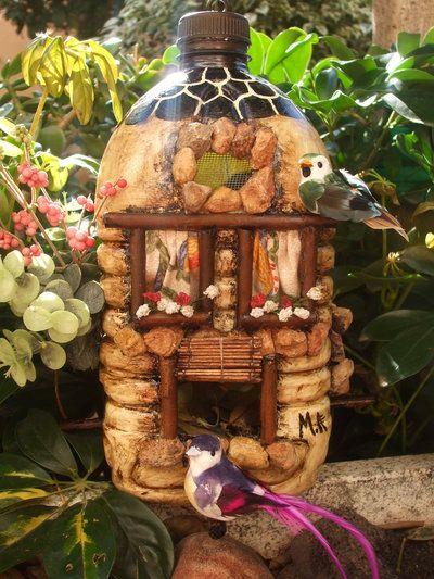 Casitas para p jaros con botellas de pl stico recicladas for Casitas plasticas para jardin