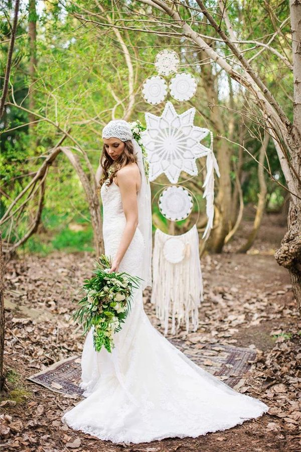 30 dreamcatchers boho wedding decor ideas bohemian weddings