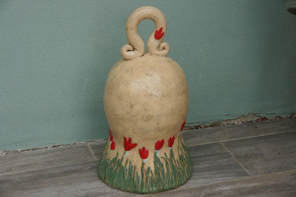 Zvonek velký zvonek ze šamotové hlíny, výška 36cm, spodní průměr 20cm Může zdobit zahrádku, terasu, pergolu, skalku i interiér
