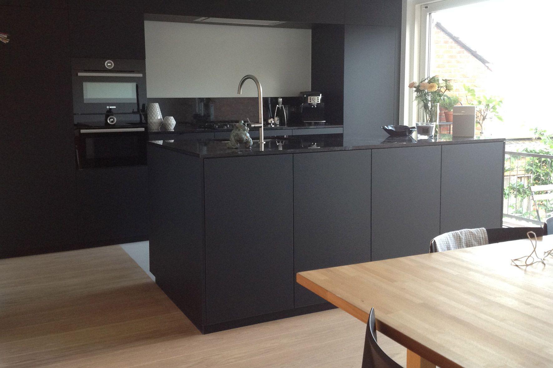 Keuken u laminaat mat zwart met graniet werkblad u flex design