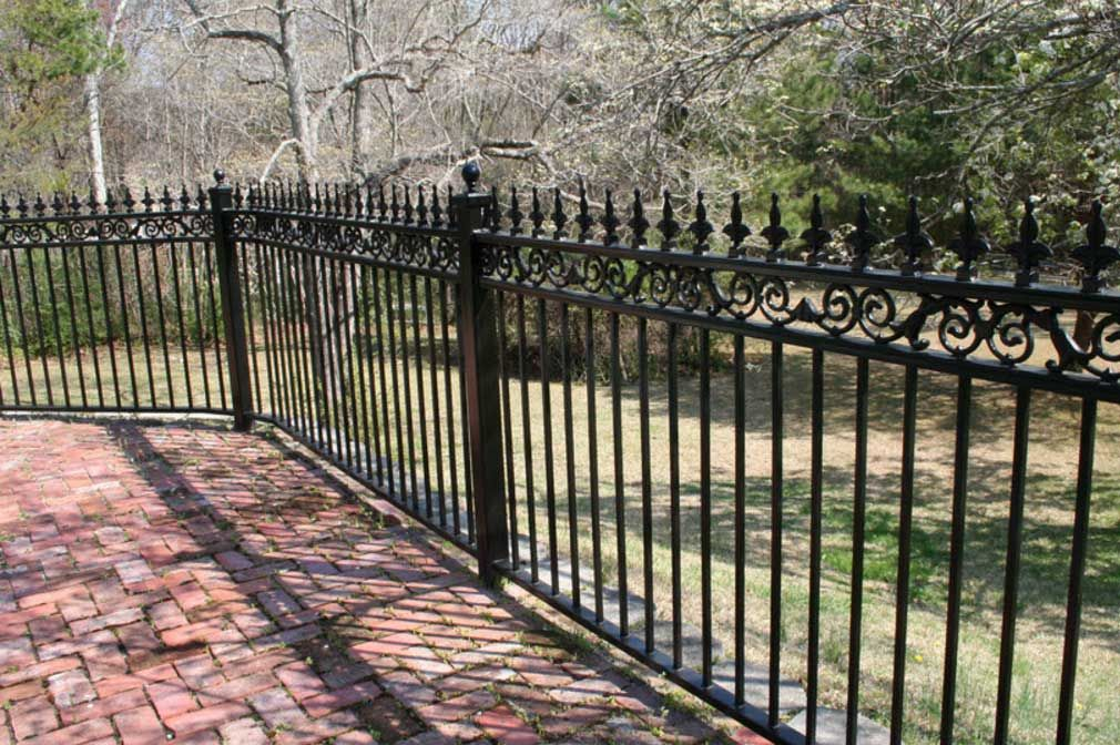 Kind Of Color Black Wrought Iron Fence In 2020 With Images