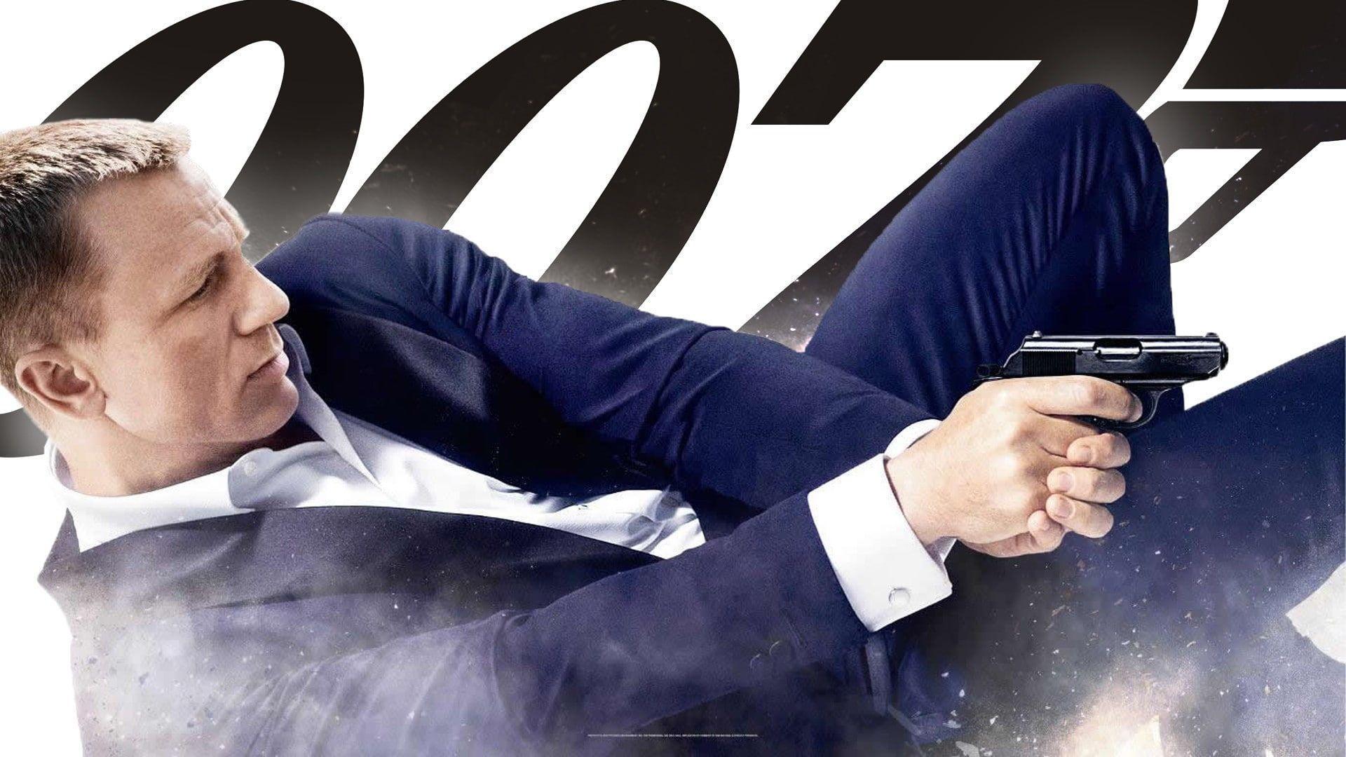 007 James Bond Skyfall Daniel Craig Movies 1080p Wallpaper Hdwallpaper Desktop Daniel Craig Skyfall James Bond Movies