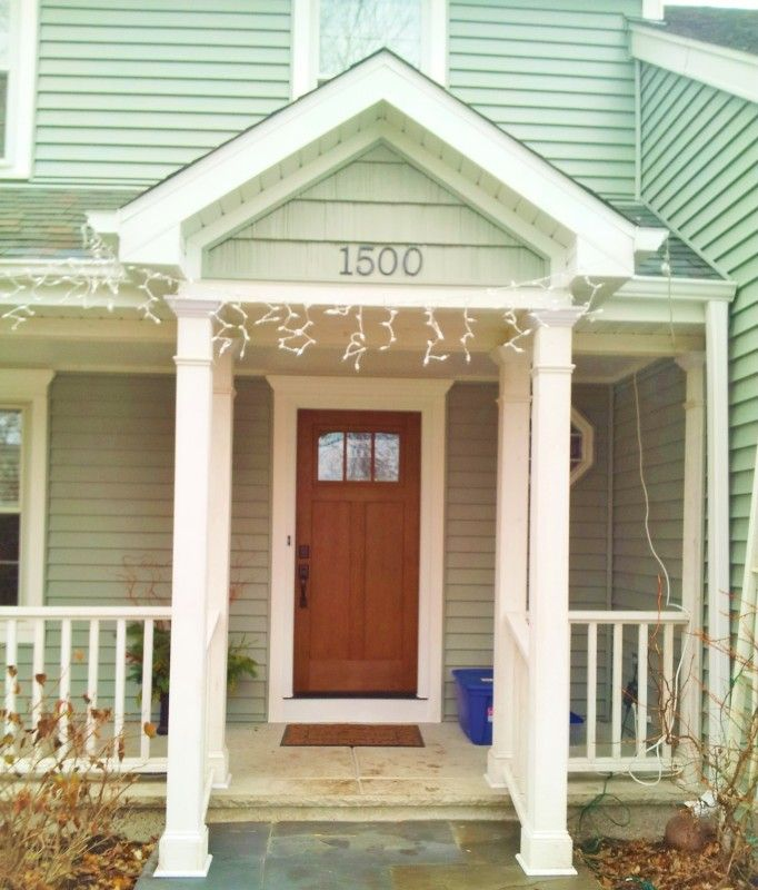Alside Coastal Sage Centerlock Vinyl Siding Glacier White Trim Provia Signet Fiberglass Front Door In Nape Vinyl Siding Front Door Exterior House Renovation