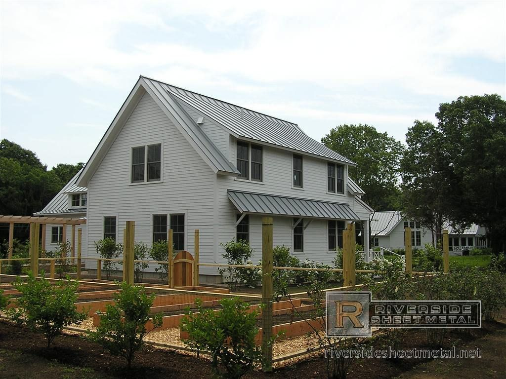 Farmhouse Exterior Colors With Metal Roof Grey Roof Aluminum Dove Gray Metal Roof House Exterior