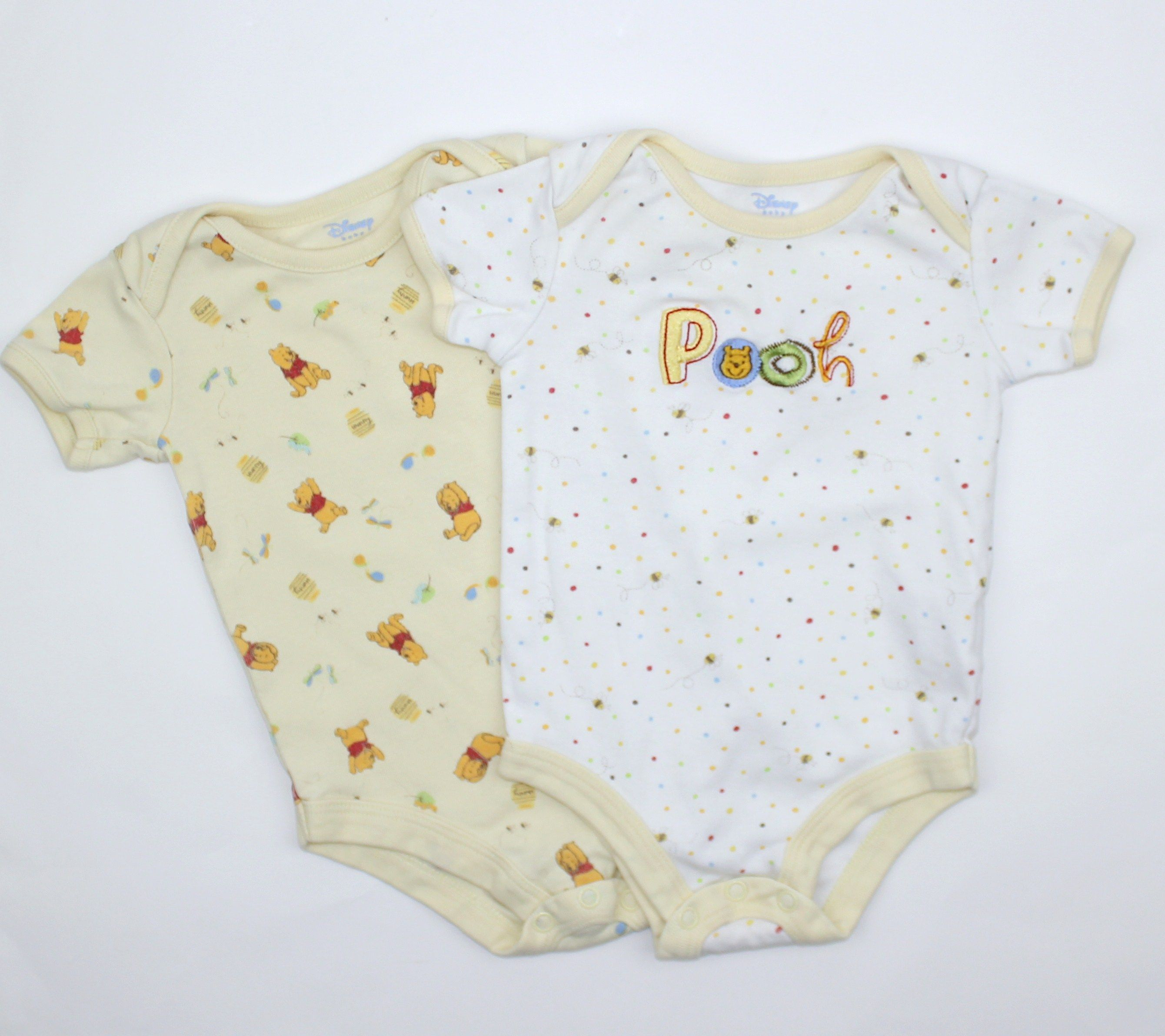 Cute Disney Baby esies 2 with Winnie the Pooh in Size 0 3 Months