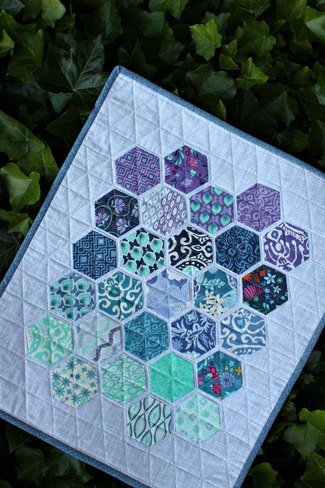 A Modern Hexie Encounter Mini Quilts Hexagon Quilt Quilts