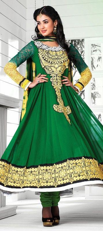 c6a6aaec3 Bollywood salwar kameez in green