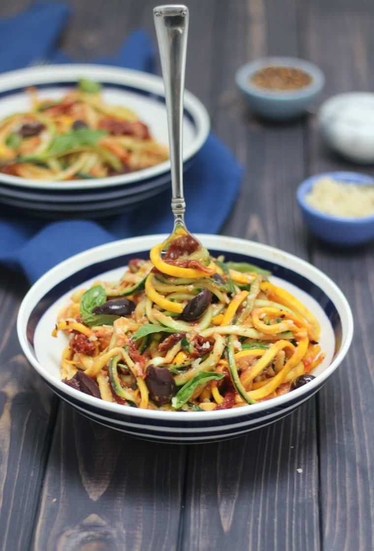 This gluten free and Vegan Vodka Sauce Zucchini Noodle ...