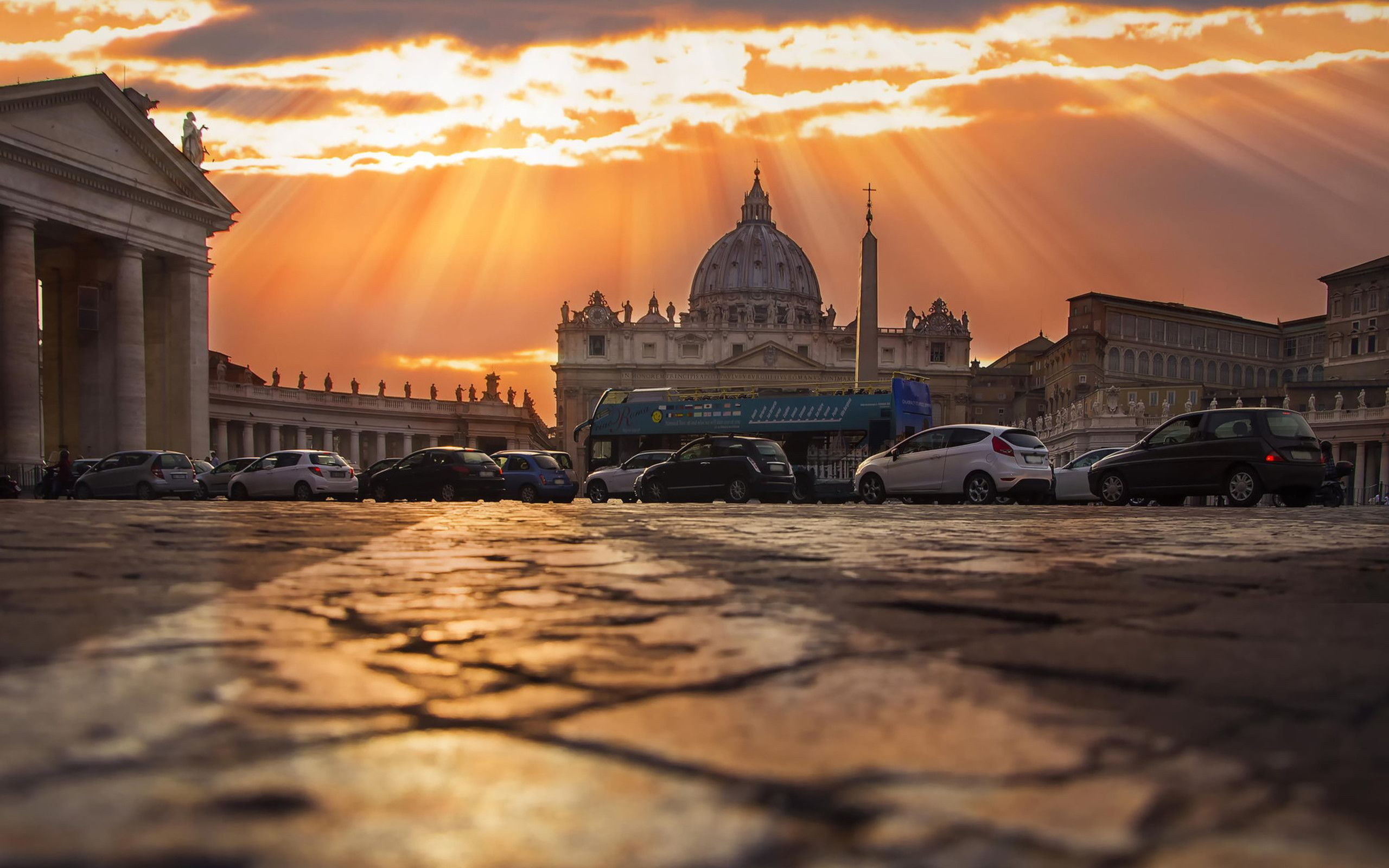 St. Peter's Square in Rome Vatican Wallpaper Download 2560x1600