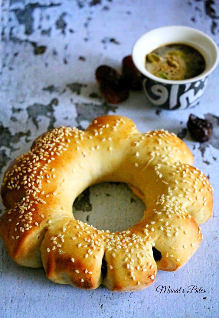 Manal's Bites: خبز التمر تحدي شهر 2 لمجموعة نكهة عربية , Feb challenge for Nakha Arabia: Date bread rings