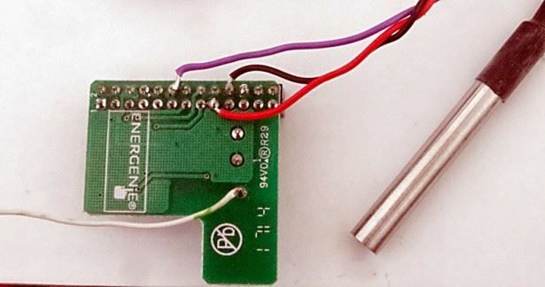 RaspberryPi + DS18B20 Temperature Sensor The DS18B20 is a low cost ...