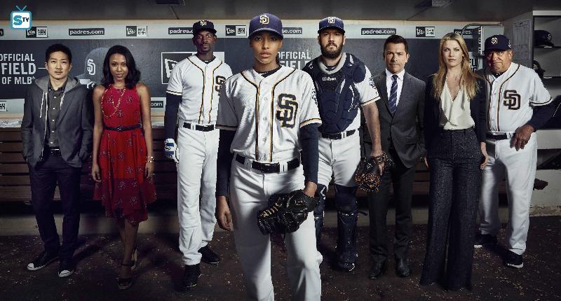 Pitch Promos, Cast Promotional Photos, Featurette