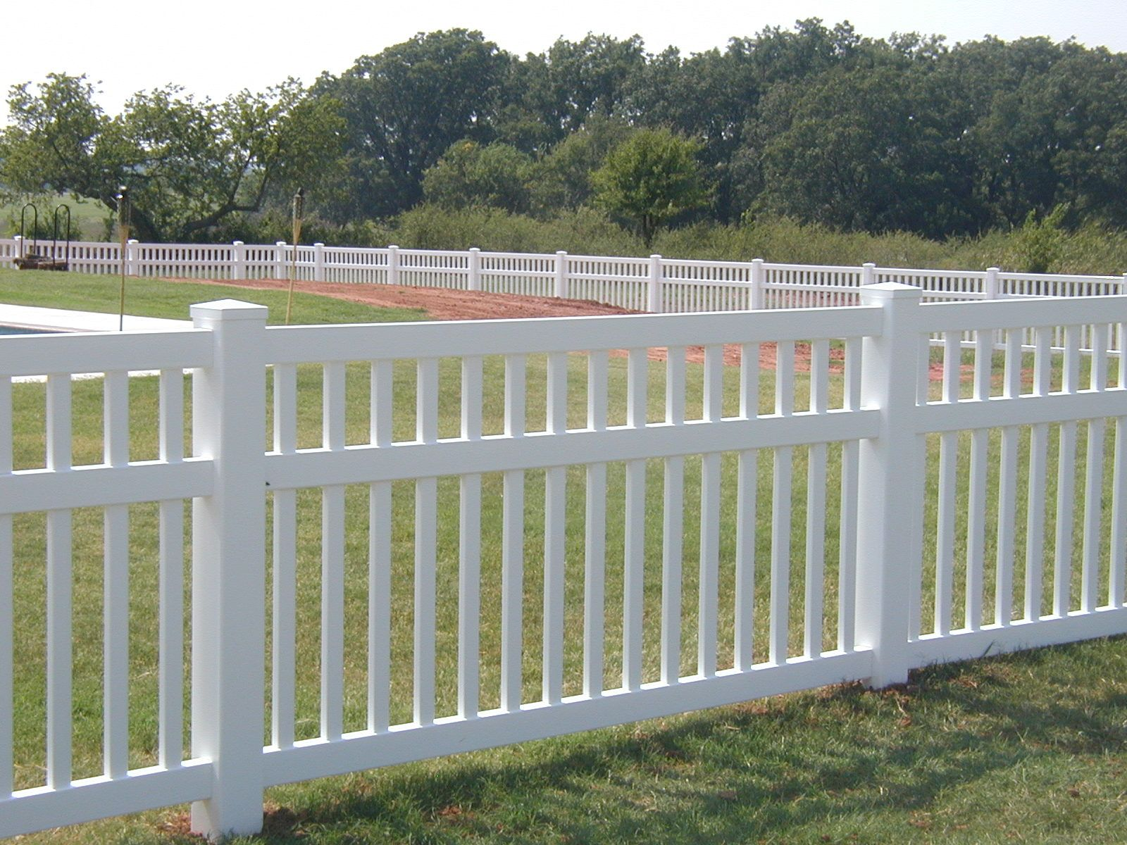 Vinyl White Fencing Three Rail Closed Picket White Vinyl Fence Vinyl Picket Fence Vinyl Privacy Fence Cheap Fence