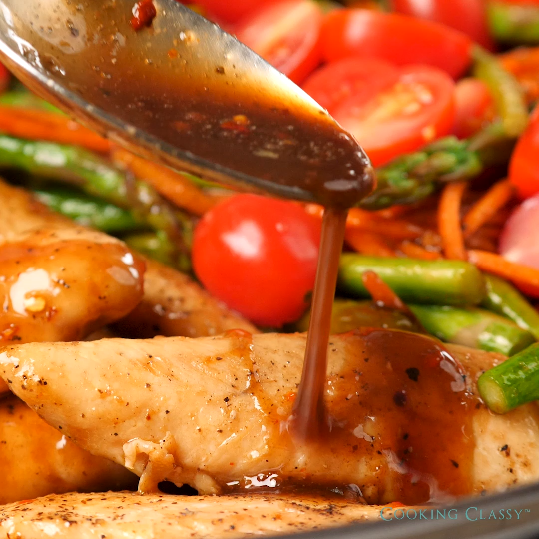 One Pan Balsamic Chicken and Veggies #easydinnerrecipes