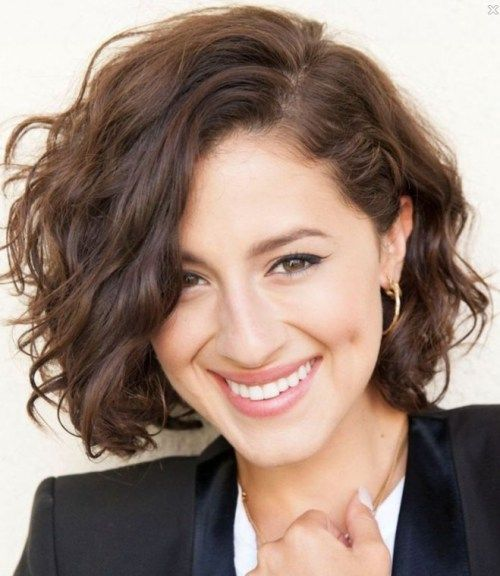 Everyday Hairstyles For Short Wavy Hair Winter Haircuts Haircuts For Wavy Hair Short Wavy Hair Hair Styles
