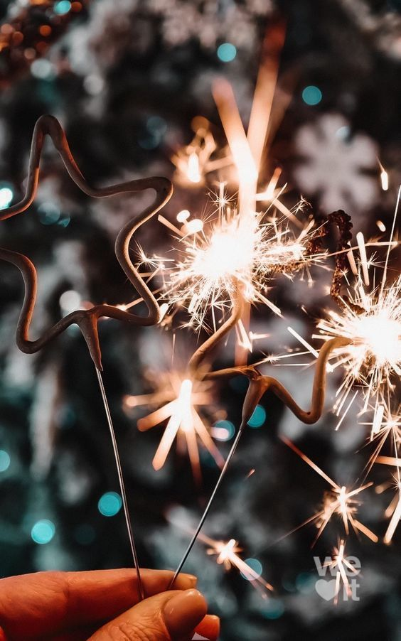 40+ Aesthetic New Year's Wallpaper & Backgrounds |