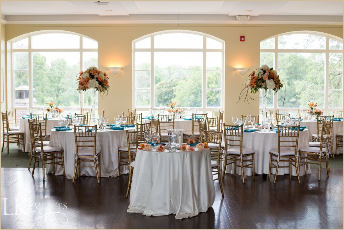 This Hinsdale Golf Club Wedding Featured Lovely White Pretty Peach And Vibrant Turquoise Fl Arrangements