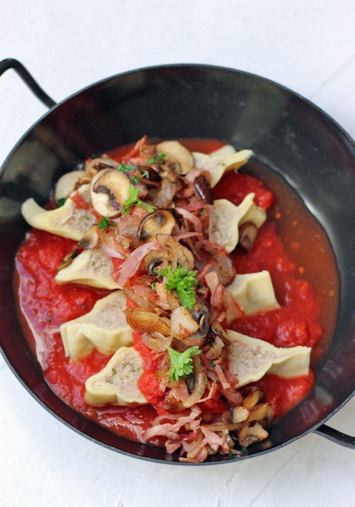 überbackene maultaschen mit champignons und käse mit