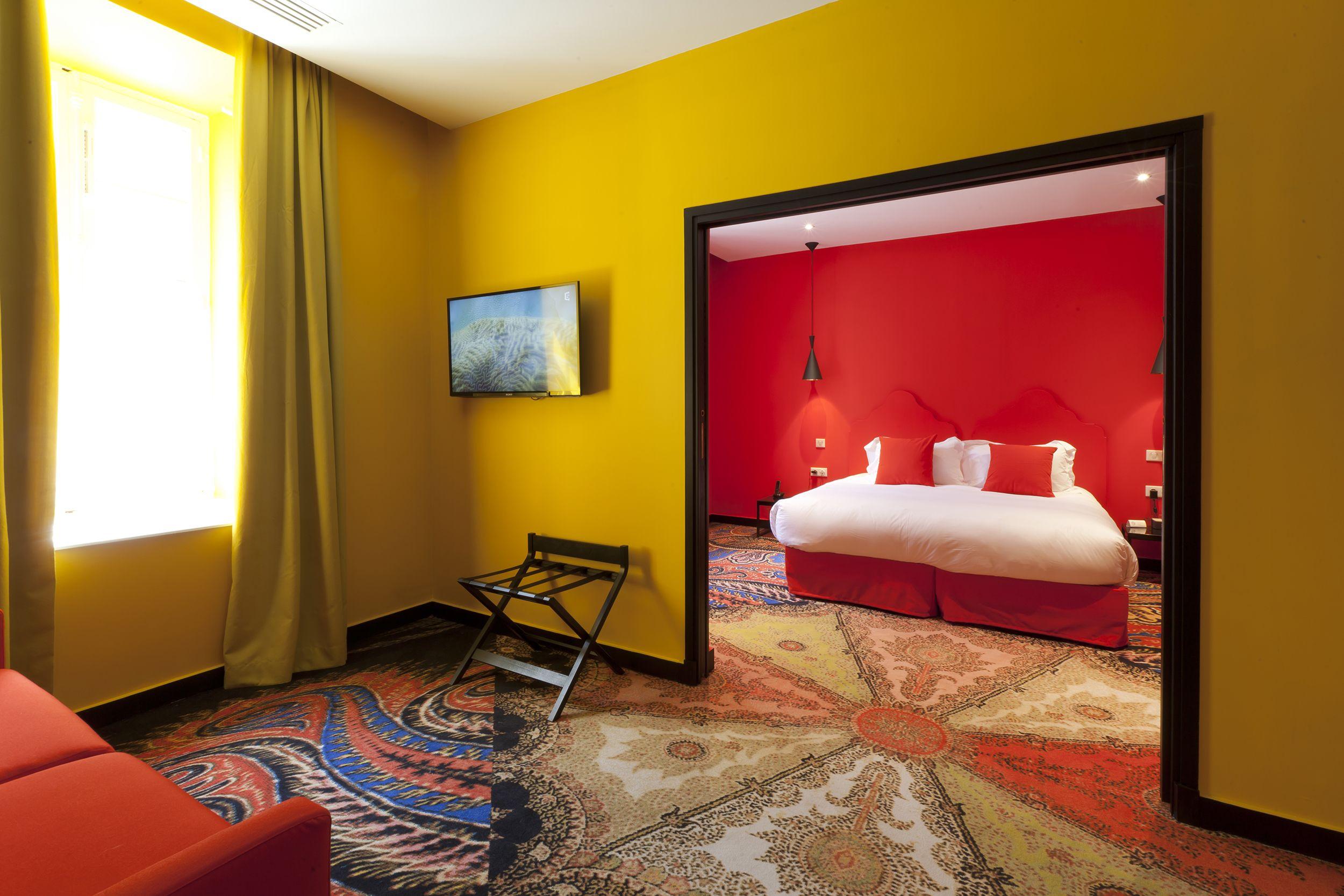 Location hotel jules c sar france carpet design by mr Hotel christian lacroix