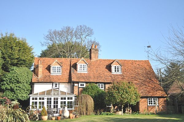 Delightful English Cottage2 Home Decorating Trends Homedit English Cottage Luxury Cottage Tudor Cottage