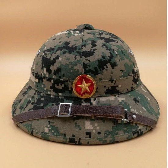 9a4daea6e9216 MINT-MOVIE-Educational Props-VIETNAM ARMY HAT NVA VIETCONG VC PITH HELMET  EXPLORER