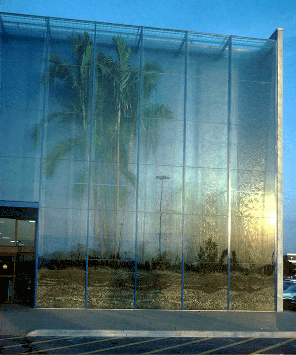 SITE - BEST Rainforest Building – BEST Products Company, Inc. – Retail Store – Hialeah, FL – USA – 1979 – Detail of the water wall and section of tropical vegetation