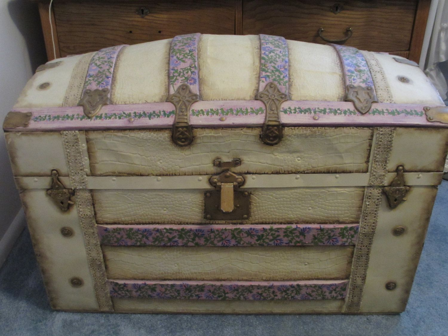 Antique Keepsake Trunk Via Etsy Trunks And Chests