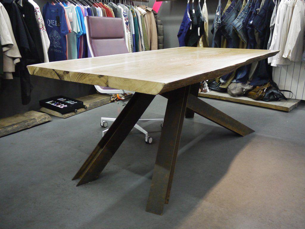 Tavolo Tronco ~ Il tavolo scultura b studio è stato realizzato unendo tre assi di