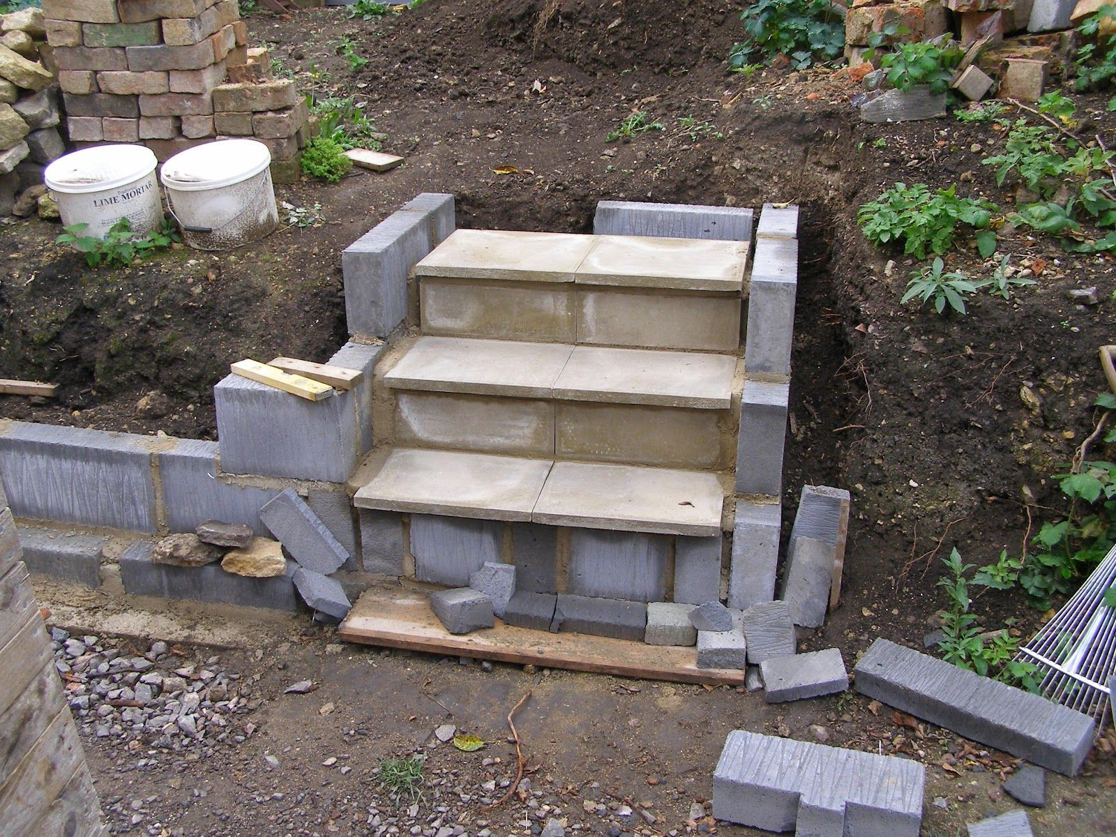 how to build cinder block steps with landing