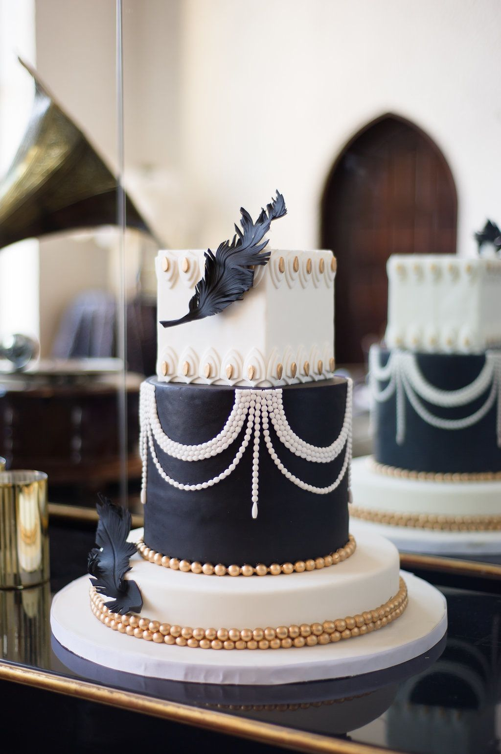 Black gold and white art deco wedding cake for great