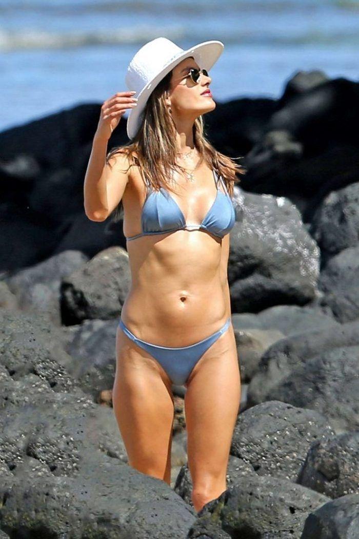 Candid bikini beach gallery 444