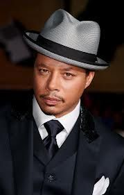 29d28aa1068 The beautiful tie not and the matching hat to the suit. The nice spots  jacket. This might coast a bit.