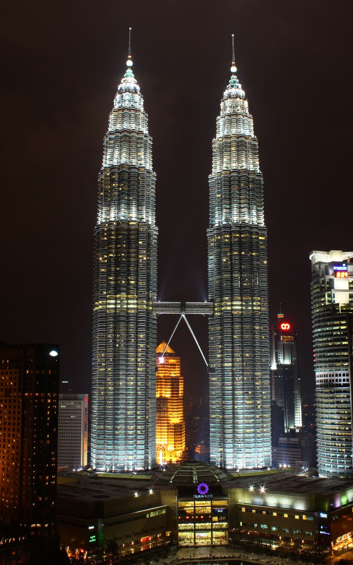 World Famous Architects Share With Us Their Inspiring Quotes Petronas Towers Famous Architects Building