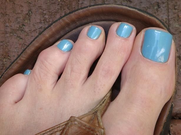 Medium Blue Sky With Silver Shimmer Nail Polish Color For Men