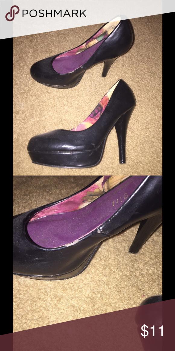 Madden Girl heels Madden Girl black heels. Slight wear on inner side of right shoe Madden Girl Shoes Heels