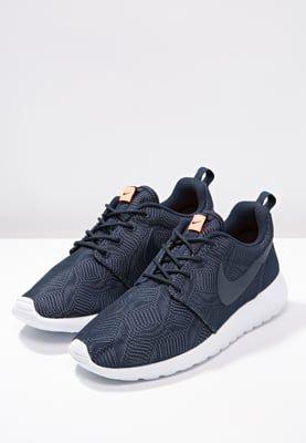 envase Ingresos paquete  Nike Sportswear ROSHE ONE MOIRE - Joggesko - obsidian/white/bright mango -  Zalando.no | Nike sportswear, Nike, Sneakers nike