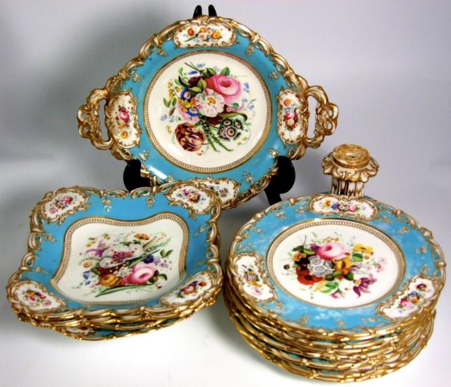 Set de sobremesa em porcelana Inglesa Coalport do sec.19th, 9,995 EGP / 3,480 REAIS / 1,190 EUROS / 1,350 USD https://www.facebook.com/SoulCariocaAntiques