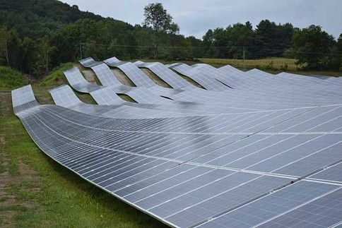 Solar Panel Farm Looks Like A Solar Panel Wave Solar Panels Solar Solar Panels Architecture