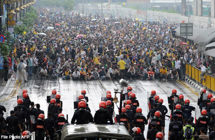 Malaysia poll critics call for new rally http://news.asiaone.com/News/AsiaOne%252BNews/Malaysia/Story/A1Story20120404-337721.html