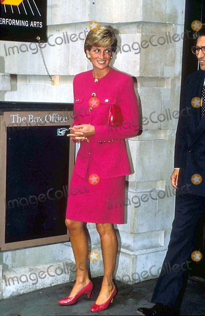 September 12, 1990: Princess Diana visiting The Theatre Museum in London's Covent Garden Photo: Alpha-Globe Photos Inc.