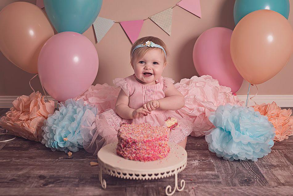 CAKE SMASH PHOTO Cadhla Turns 1 Cake smash photos