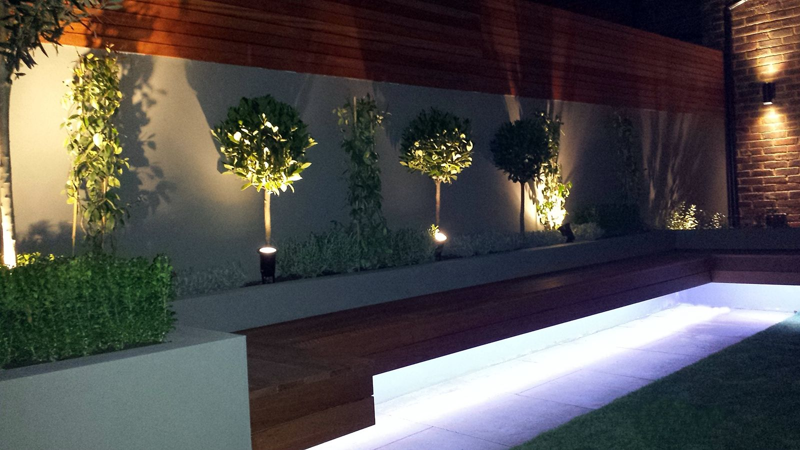 Modern Garden Design Ideas Great Lighting Fireplace Hardwood Screen Plastered Rendered Walls Cl Garden Lighting Design Modern Garden Design Small Garden Design
