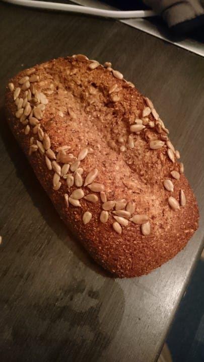 Low-Carb Brot mit Sonnenblumenkernen #apfelrosenmuffins