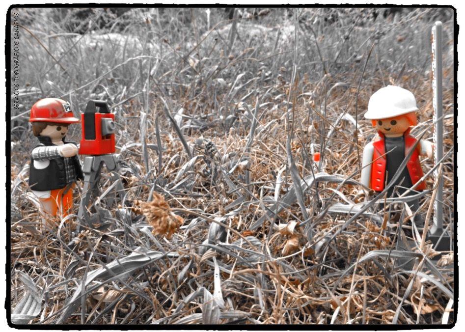 Hoy si te tomas el día con buen humor, vas a conseguir todo lo que te propongas #FelizDomingo #HappySunday #Topografía #Topógrafo #Humor #Felizdía #Estacióntotal #Telde #Construcción #Parcela #Playmobil #LevantamientoTopográfico #Agrimensura #Topographie #LandSurveyor #Topometría #Geodesia #Cartografía #Geomatics #Geomática