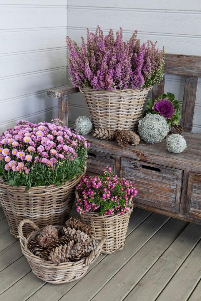 29 Pretty Front Door Flower Pots That Will Add Personality To Your Home |  Balkon   Garten | Pinterest | Herbst, Balkon Und Gärten