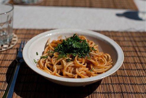 Pasta Puttanesca oder ein Liebeslied an die Salzsardine - Blog Gruß