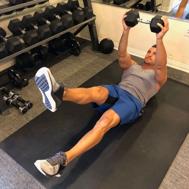 b4a446ada876e9 The Best Stomach Exercises For All Levels Of Gym-Goer
