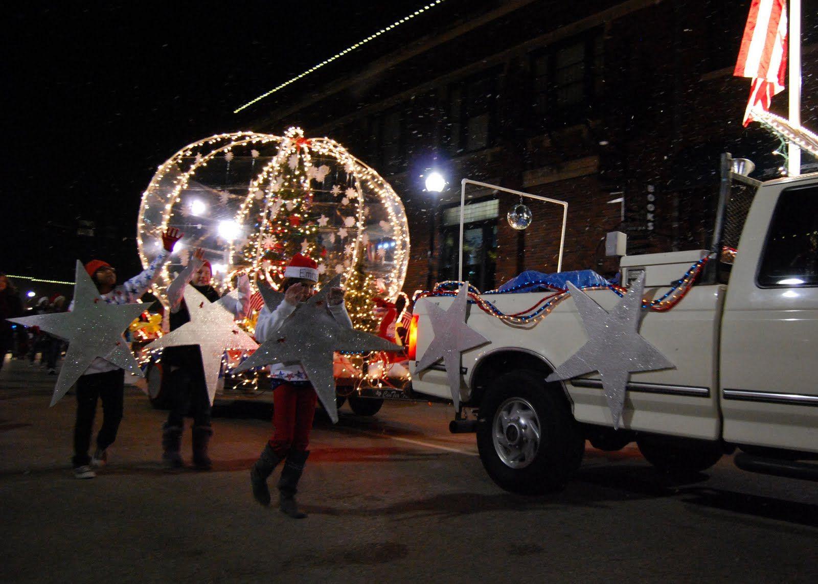 Christmas Parade With Images Christmas Parade Parade Float
