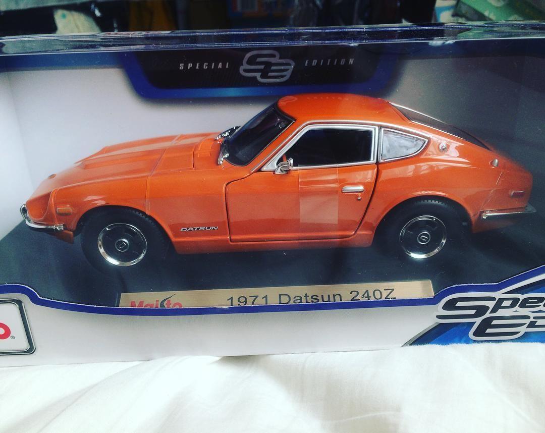 Datsun 240z maisto 1 18 i love it datsun240z scalemodel 1