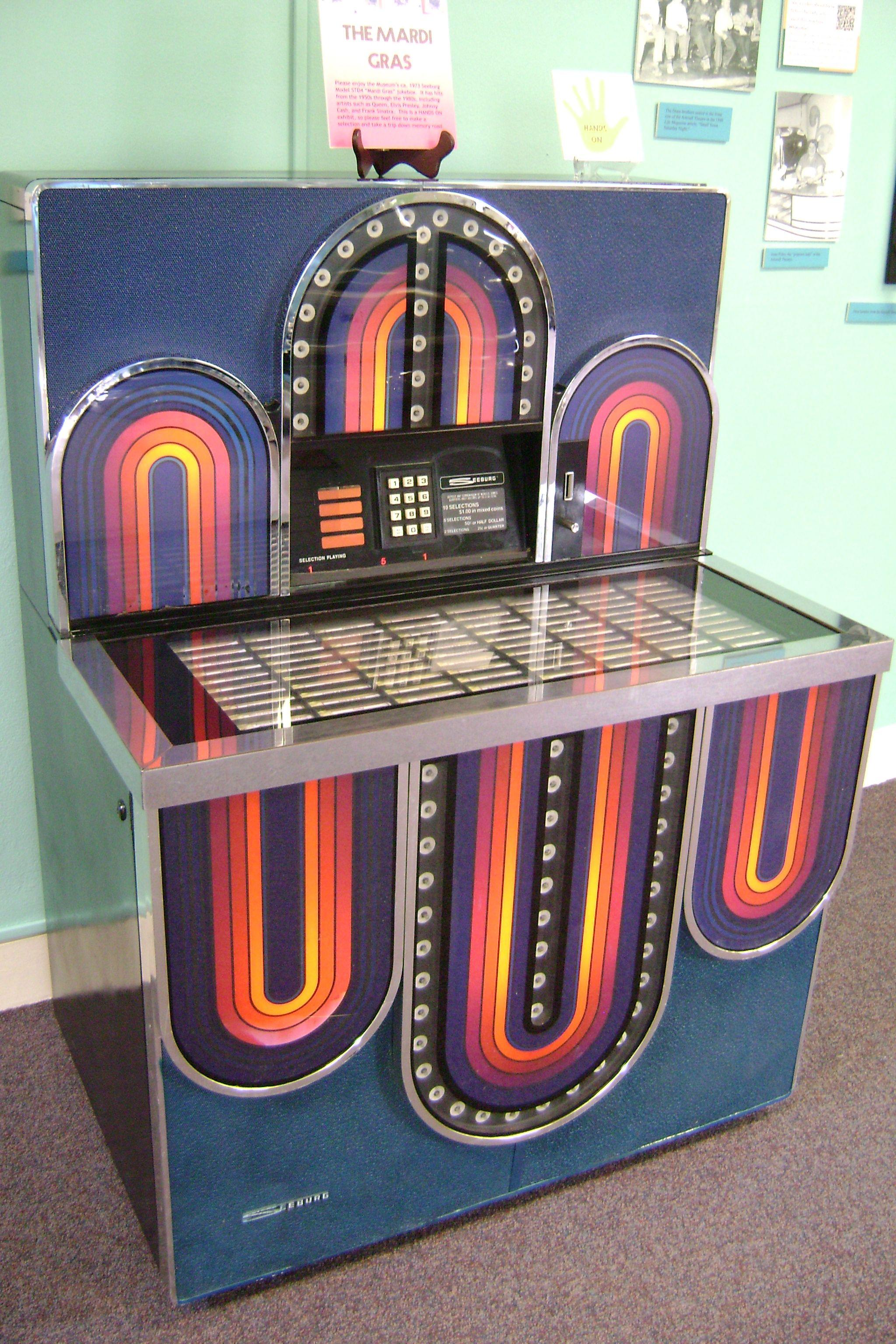 Come in play music on the vintage Seeburg Mardi Gras jukebox